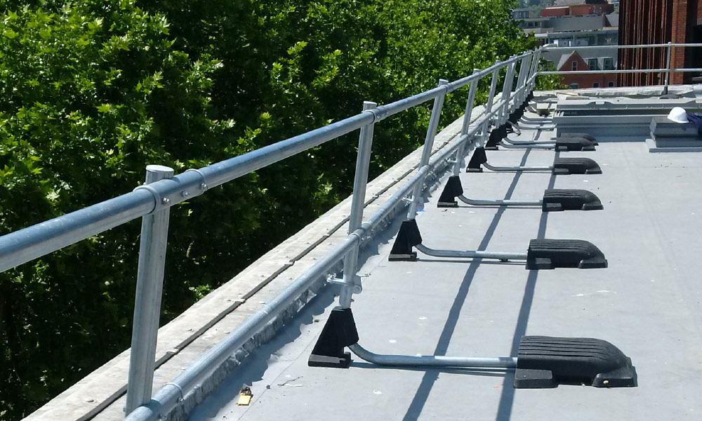 When To Provide Roof Edge Protection Ezi Klamp Systems