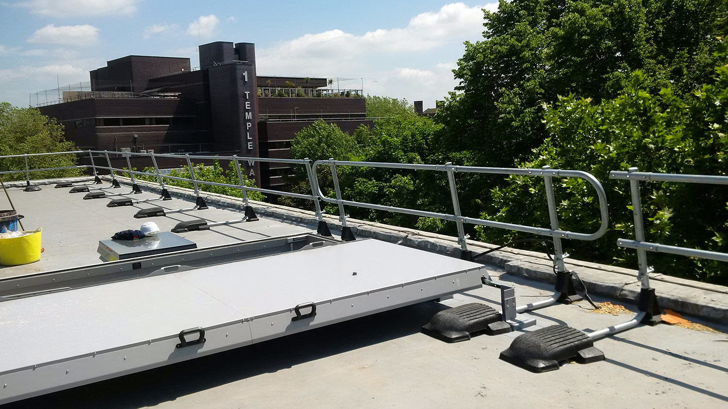 When To Provide Roof Edge Protection